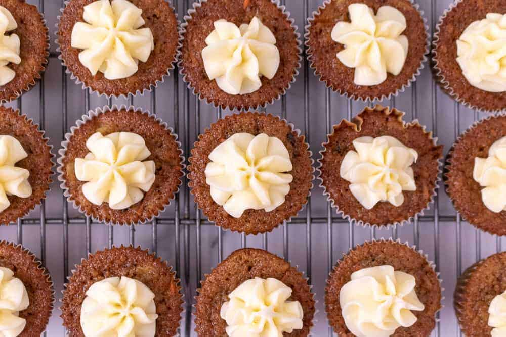 Frosted carrot cake cupcakes